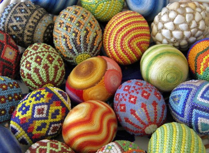 Пасхальные яйца, сделанные из бисера