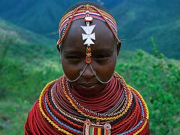 Бисер в национальном наряде африканских племен